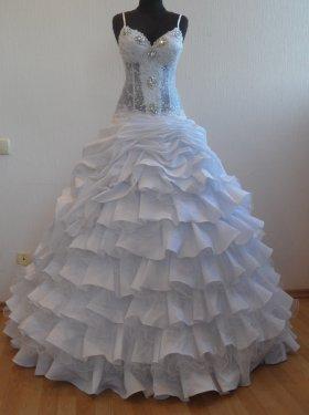 Свадебное платье Стоун. прокат-5000грн., продажа-8000 грн. Материал: жан-жан. Цвет белый. Размер 44, 46.