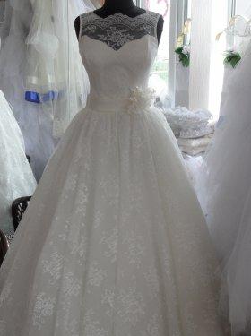 """Шикарное свадебное платье """"Нежность"""" из кружева 7000 грн. Цвет: белый, айвори, кремовый. Размер: 42, 44, 46, 48, 50, 52. Возможно пошить со шлейфом."""