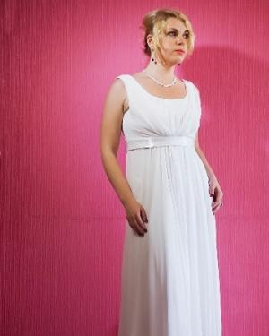Свадебное платье Адель. прокат-2800 грн., продажа-2500 грн. Материал: шифон. Цвет белый. Размер 44.