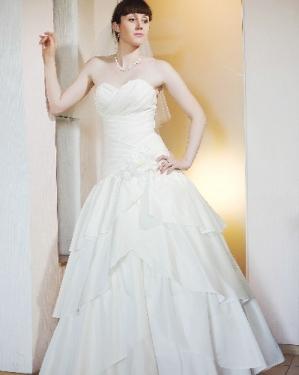 Свадебное платье Джиана.  прокат-1800грн, продажа -2500 грн. Материал жан-жан.